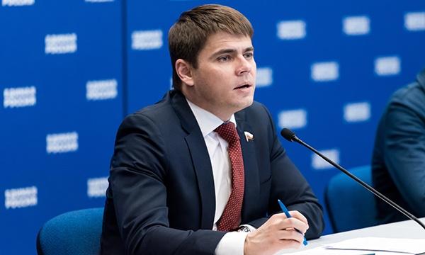 Законопроект о срочном удалении незаконных сообщений из соцсетей прошёл первое чтение в Госдуме - 1