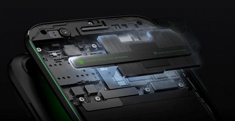 Представлен Xiaomi Black Shark — игровой смартфон с жидкостной системой охлаждения и подключаемым контроллером - 3