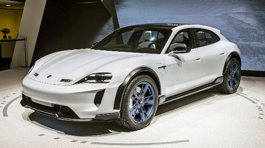 Porsche строит скоростную сеть зарядок EV по всей территории США