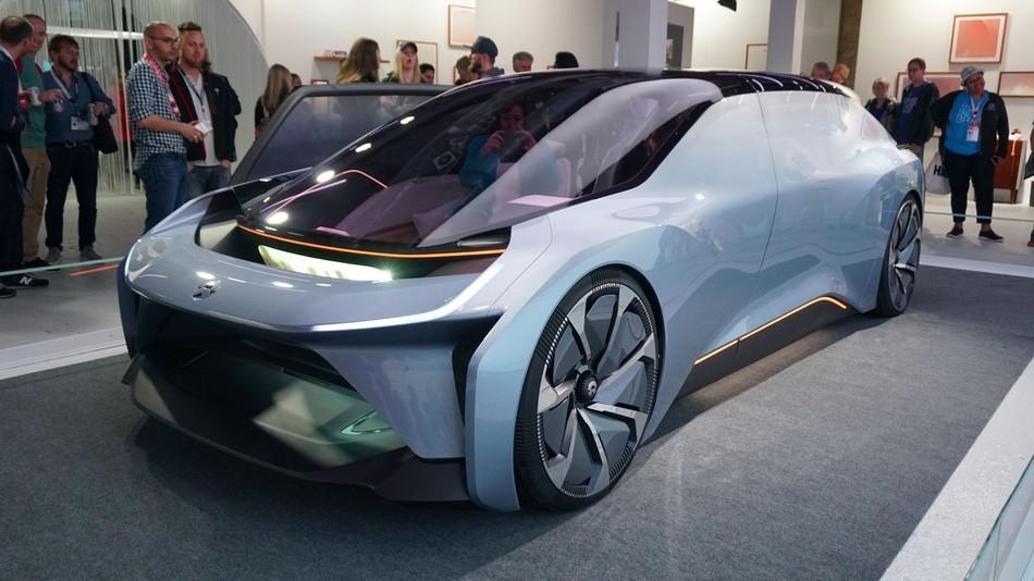 Китай разрешил испытания робомобилей по всей стране - 2