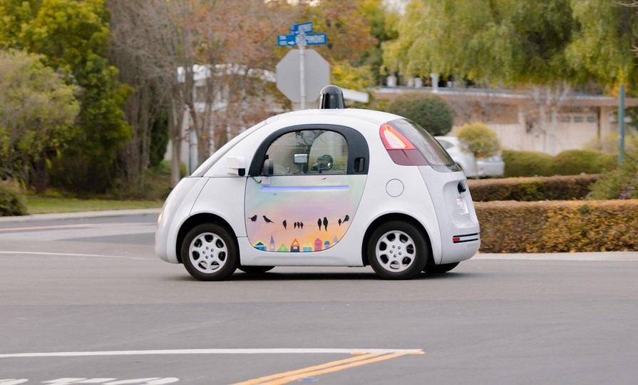 Китай разрешил испытания робомобилей по всей стране - 1