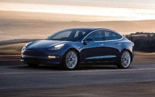 Tesla снова приостанавливает производство Модели 3
