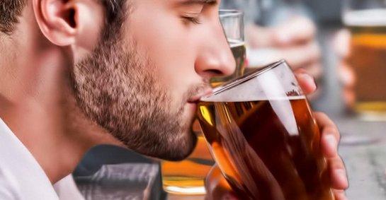 Ученые рассказали о правильном способе употребления пива