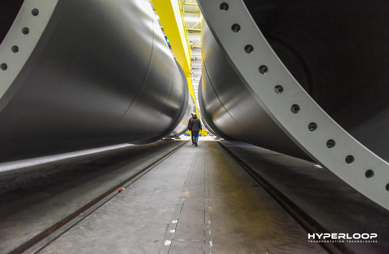 Hyperloop планирует построить первую ветку в Абу-Даби в 2019 году - 3
