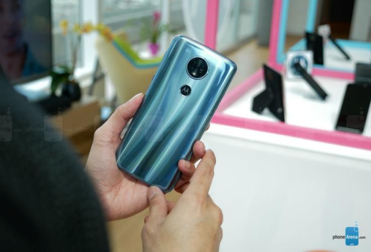 Смартфоны Motorola Moto E5 и Moto E5 Plus порадуют ёмкими аккумуляторами - 3