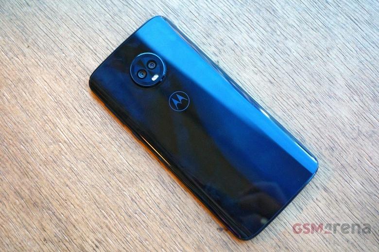 Смартфоны Motorola линейки Moto G6 могут похвастаться некоторыми особенностями, не присущими аппаратам этой ценовой категории - 2