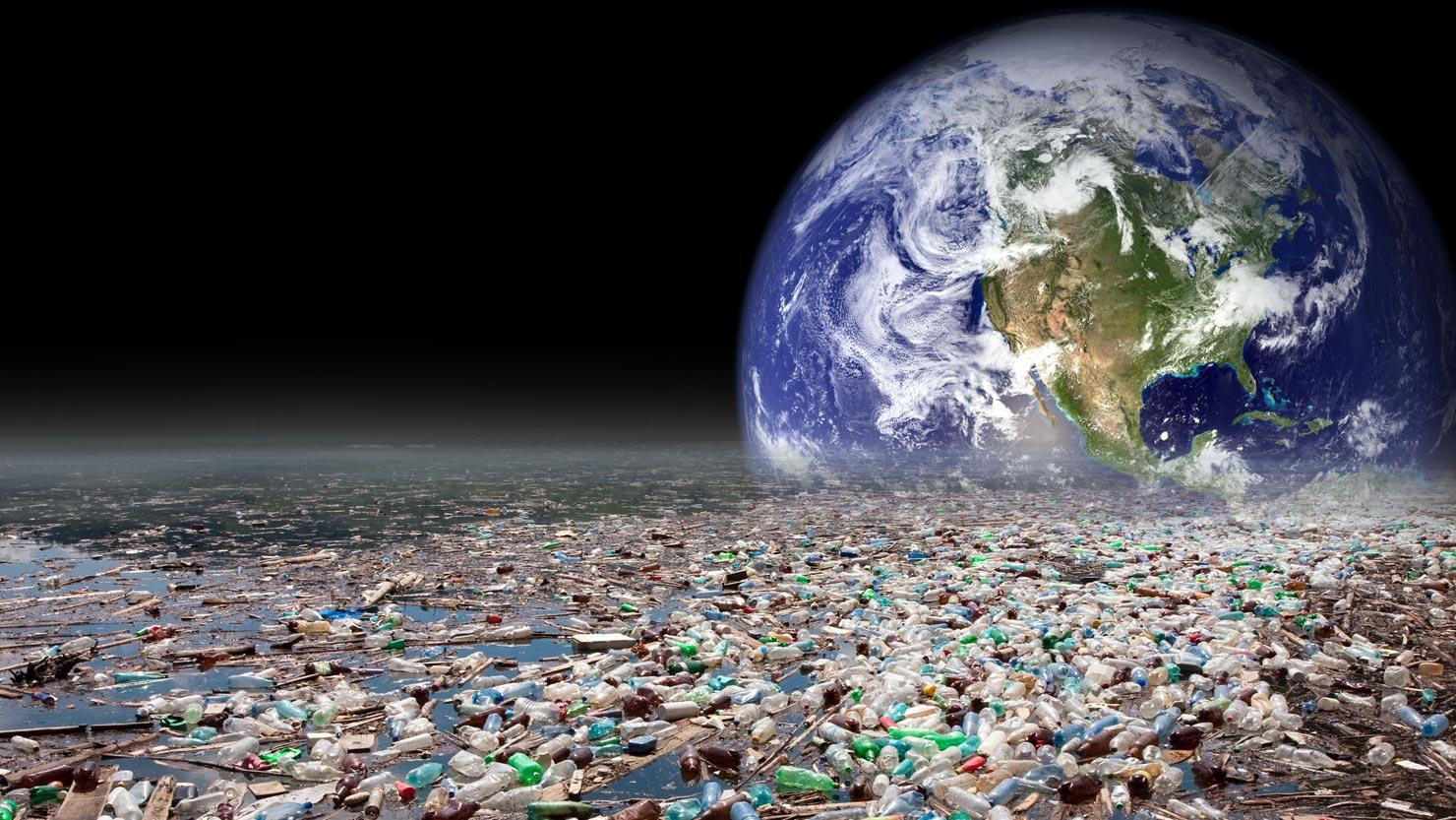 Учёные создали фермент, который разлагает пластик - 1