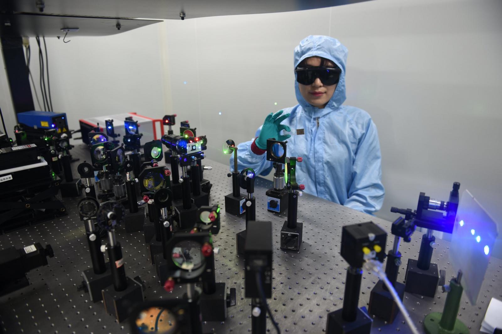 Решение проблемы УФ-излучения в технологии голографического хранения данных - 10