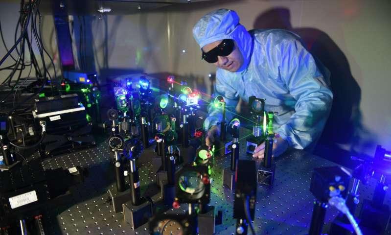 Решение проблемы УФ-излучения в технологии голографического хранения данных - 8