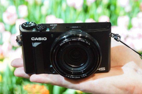 Casio пока еще делает свои компактные камеры