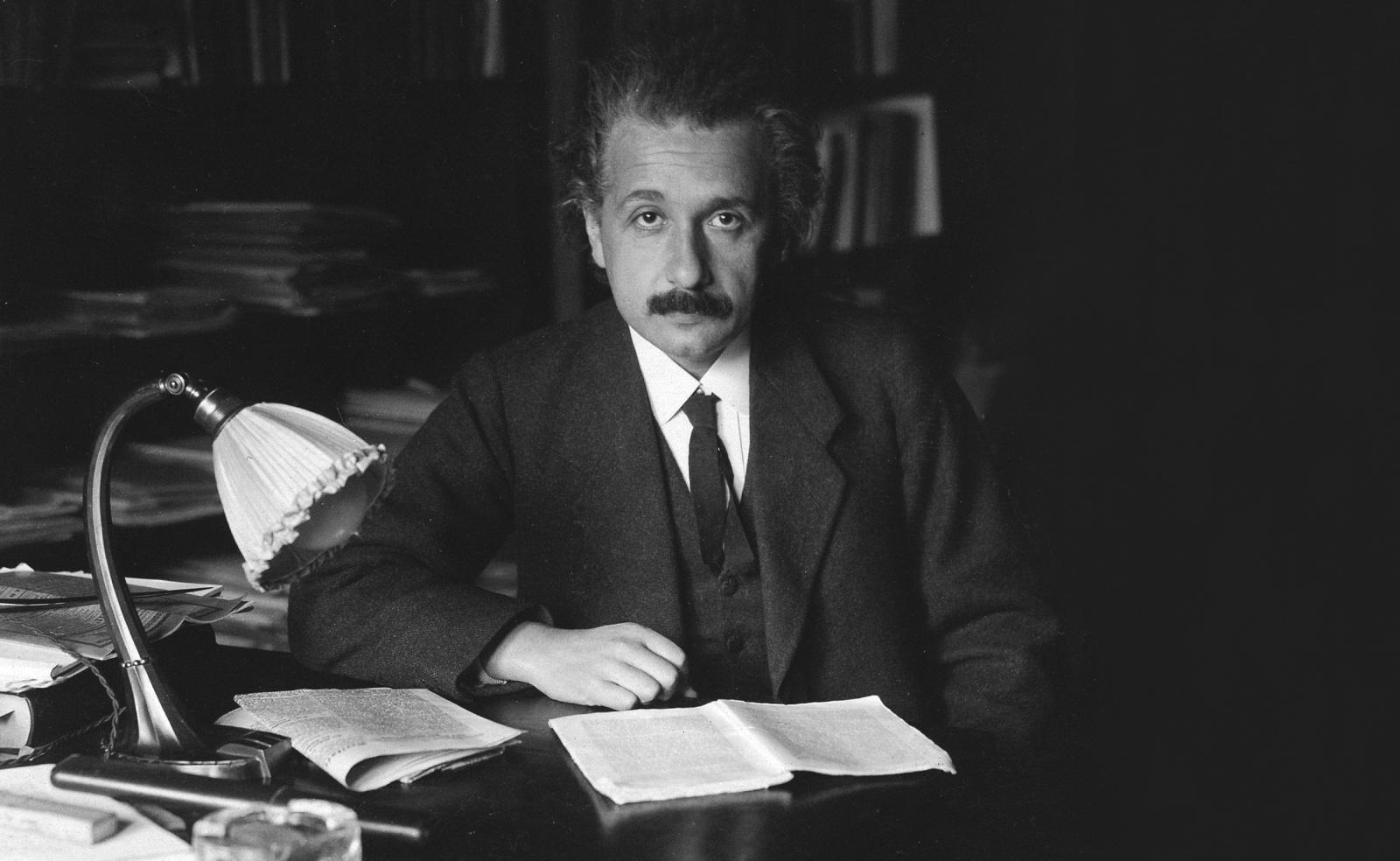 Как Эйнштейн однажды потерялся, чуть не потеряв и общую теорию относительности - 1