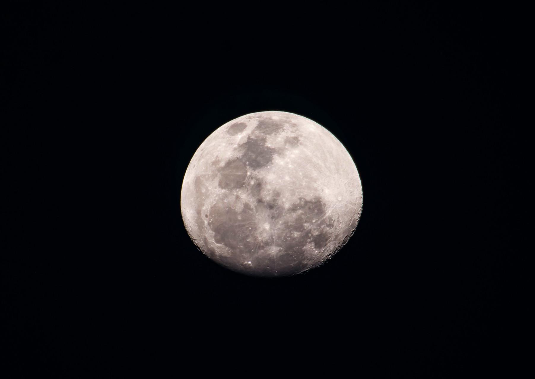 Почему на космических фотографиях не видно звёзд? - 14