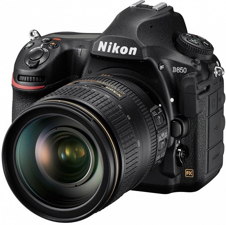 В этом году ожидается выпуск двух моделей камер Nikon верхнего сегмента