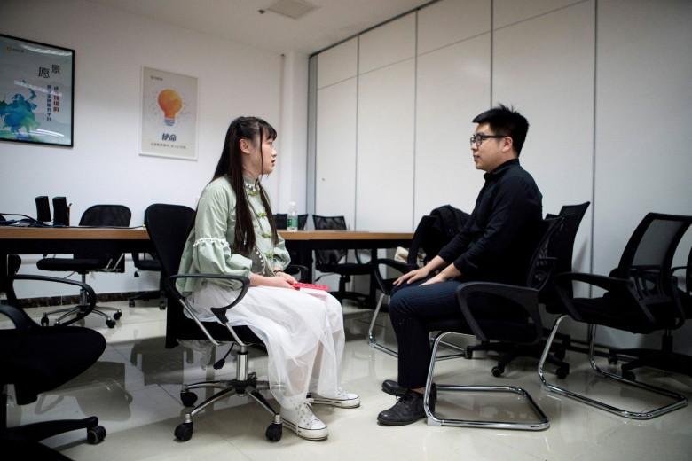В офисы IT-компаний берут симпатичных девушек для мотивации программистов и снятия стресса - 3