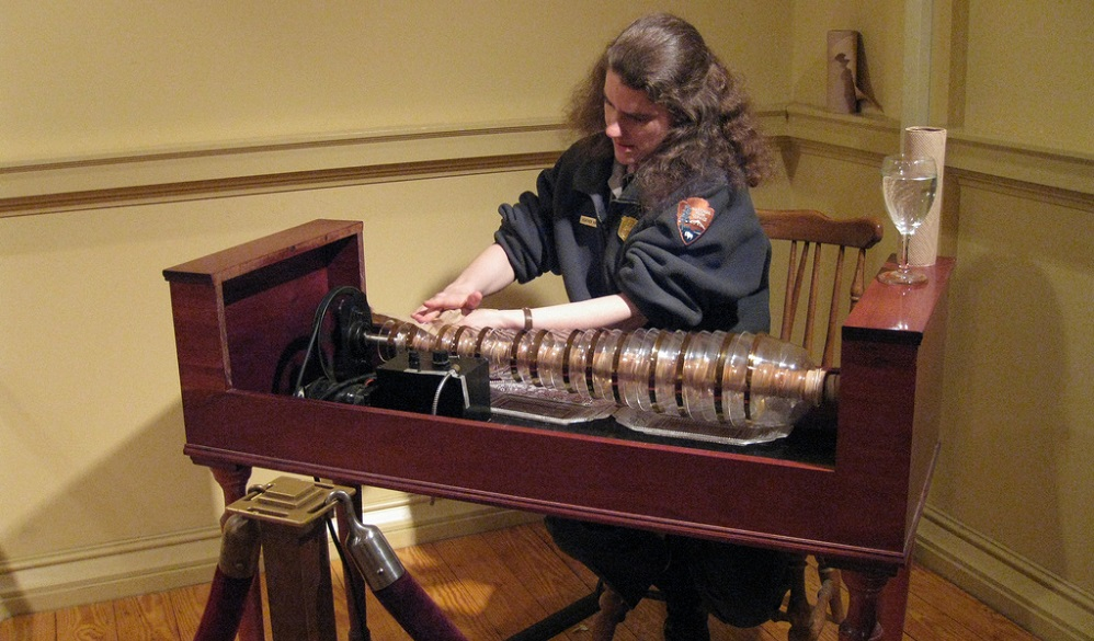 Необычные музыкальные инструменты, которые нужно знать: окарина, панфлейта, сопилка и стеклянная гармоника - 2