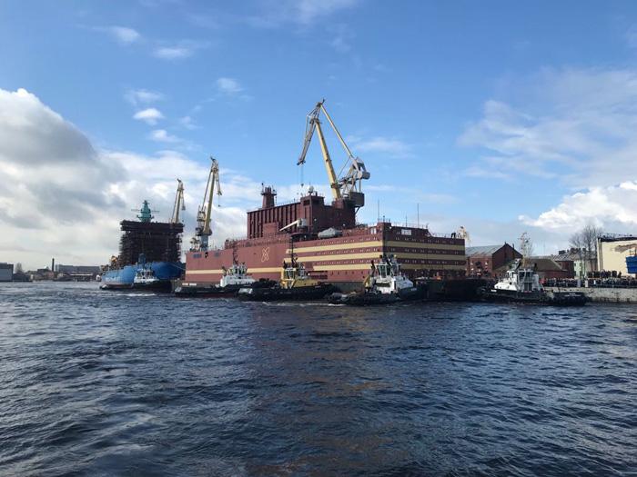 В России закончили строительство плавучей АЭС «Академик Ломоносов» - 1