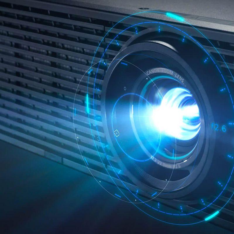 Обновленная серия проекторов Canon XEED: история приземления звездных технологий - 1