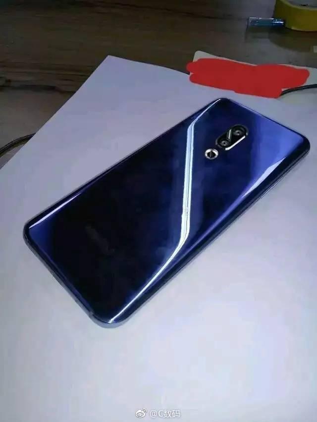 Смартфон Meizu 16 засветился на «живом» фото