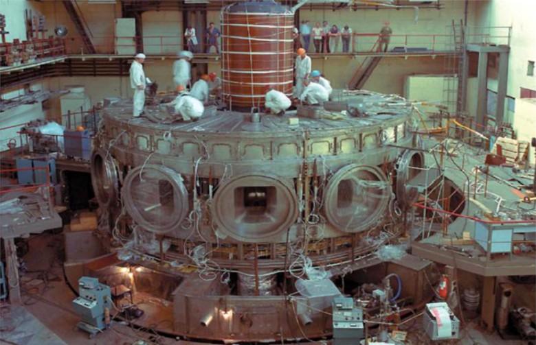 Курчатовский институт готовится к пуску гибридного токамака Т-15МД - 1