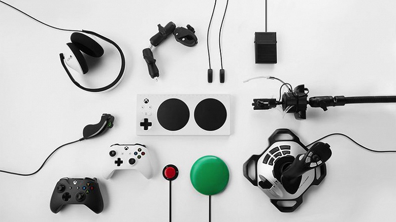 Microsoft Xbox Adaptive Controller — игровой контроллер для людей с ограниченными возможностями