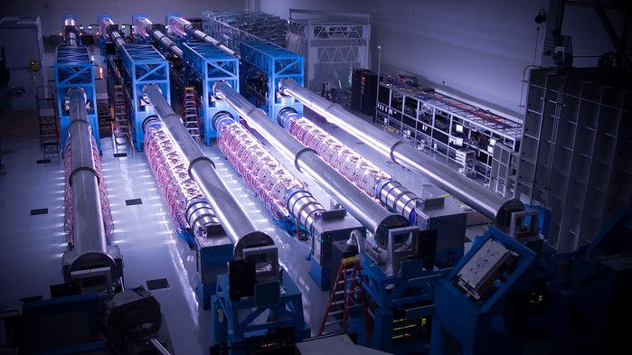 Физики планируют построить лазеры огромной мощности, способные разорвать пустое пространство - 3