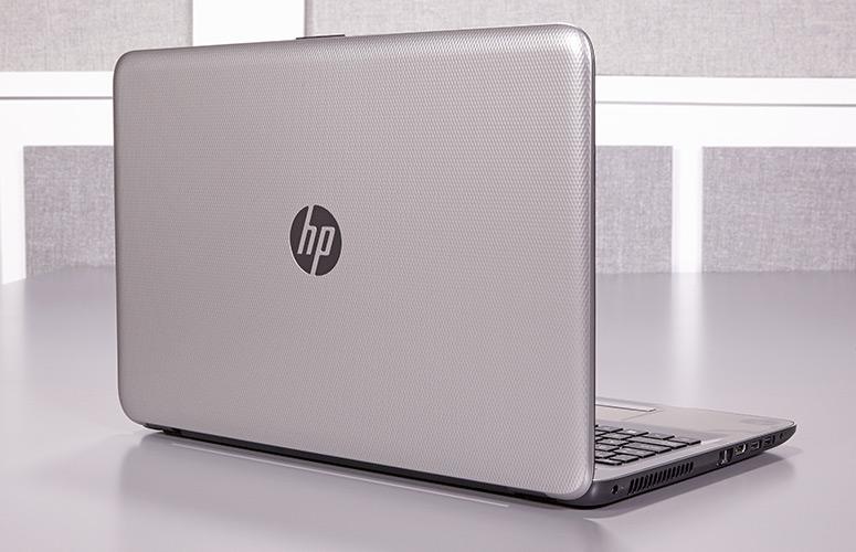 Поставки ноутбуков за последний месяц снизились на 30%