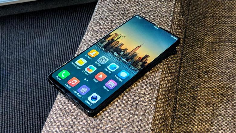 Смартфон Vivo Apex, экран которого занимает 98% площади лицевой панели, выйдет раньше срока