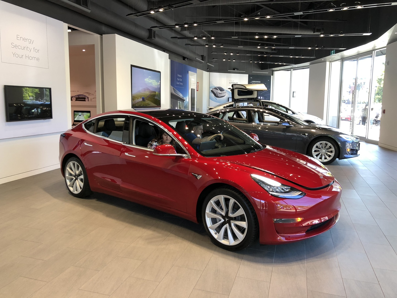 Новый рекорд Tesla Model 3 - 1