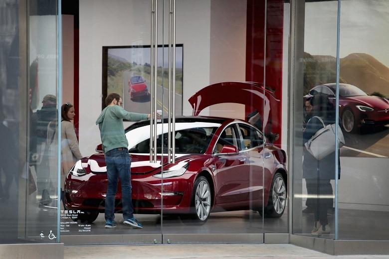 Выход Tesla Model 3 на международном рынке отложен