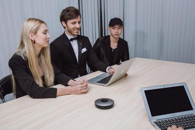 Колонка для конференц-залов eMeet OfficeCore M2 мощнее предшественника на 300%
