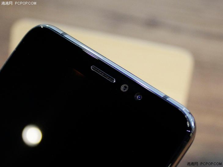 Экран смартфона Koobee F2 3D Version способен демонстрировать 3D-картинку