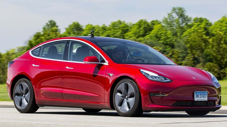 После обновления Tesla Model 3 тормозит лучше и получает рекомендацию Consumer Reports