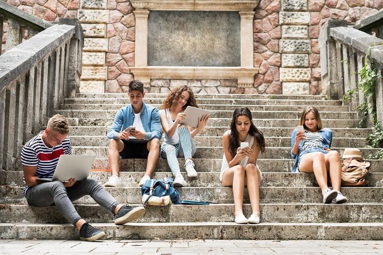 Подростки в США пользуются Facebook всё реже