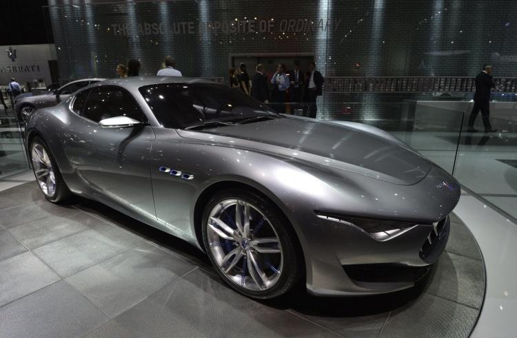 Fiat Chrysler запустит более 30 новых моделей гибридов и электромобилей к 2022 году