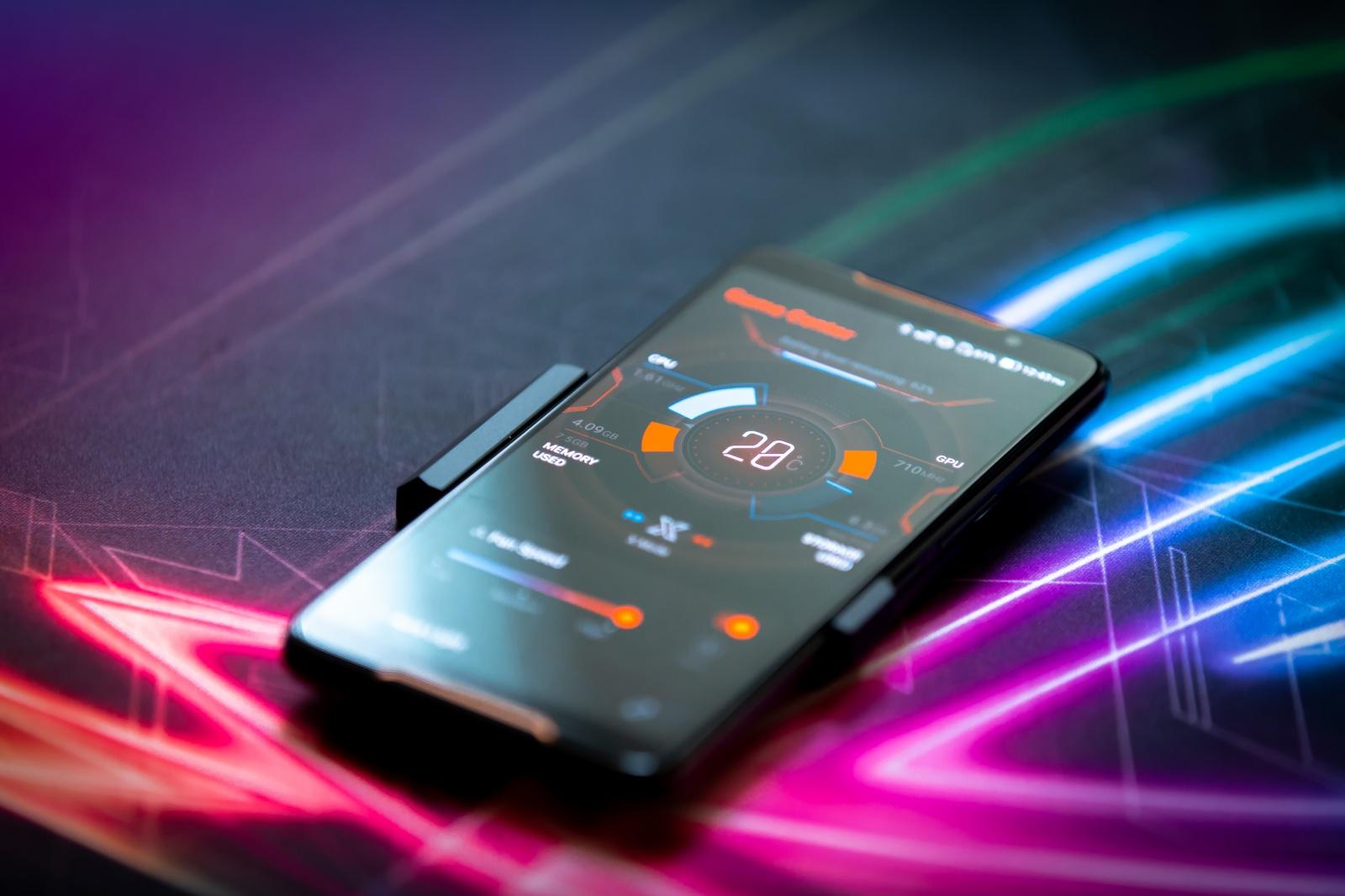 Первый взгляд на геймерский смартфон ASUS ROG Phone - 12