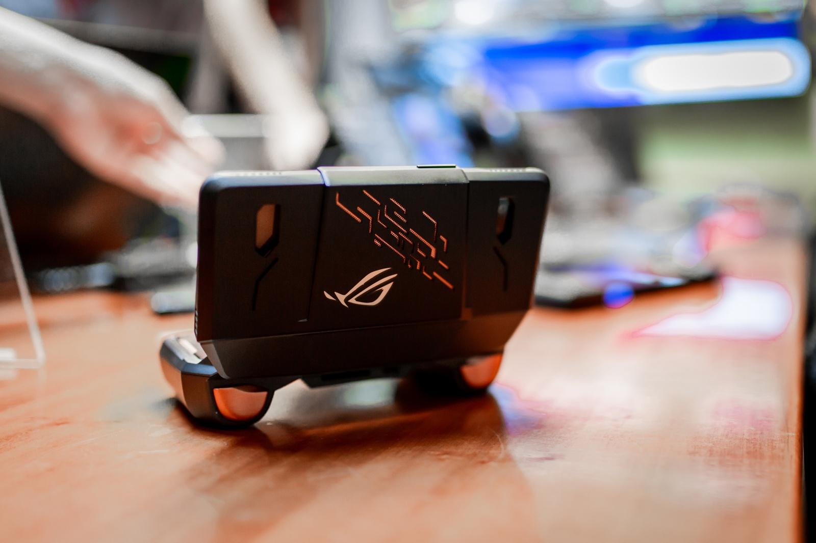 Первый взгляд на геймерский смартфон ASUS ROG Phone - 23