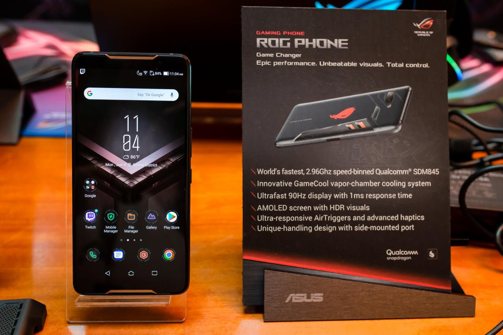 Первый взгляд на геймерский смартфон ASUS ROG Phone - 3