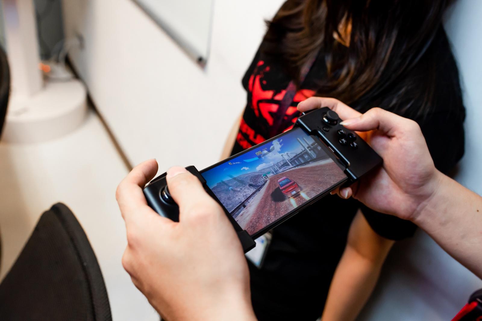 Первый взгляд на геймерский смартфон ASUS ROG Phone - 32