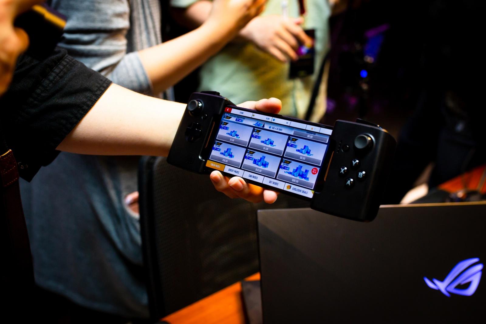 Первый взгляд на геймерский смартфон ASUS ROG Phone - 34
