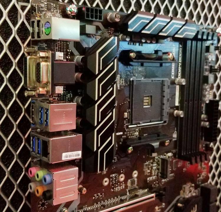 Computex 2018: россыпь материнских плат AM4/B450