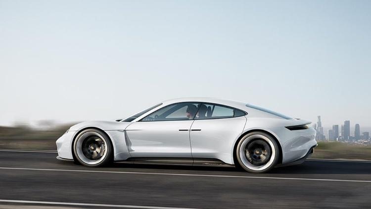 Porsche Taycan: электрокар Mission E обрёл официальное имя