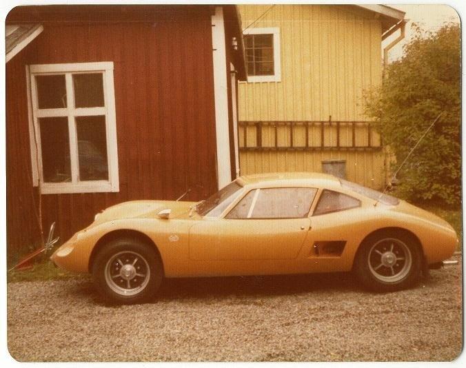 Ещё 10 автомобилей из Швеции