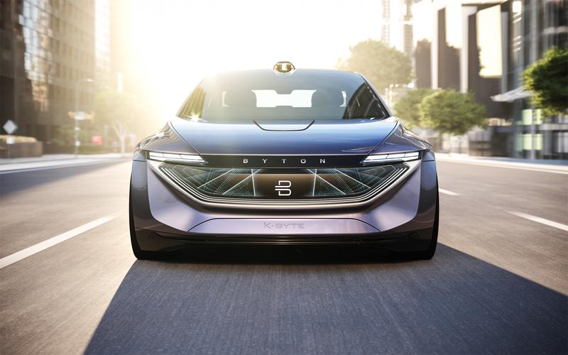 Китайский конкурент «Теслы» показал автономный электроседан