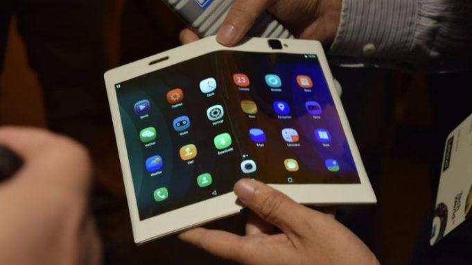 Складной смартфон Samsung будет стоить почти 2000 долларов
