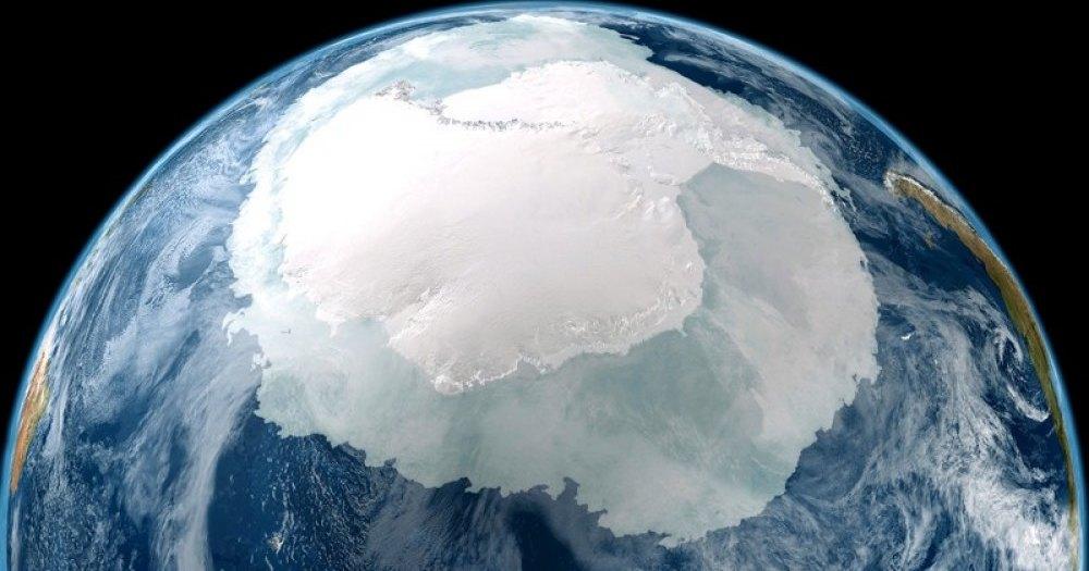 Антарктида потеряла рекордное количество льда