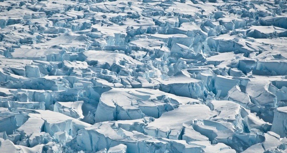 Таяние льдов Антарктиды ускорилось в три раза с 2012 года