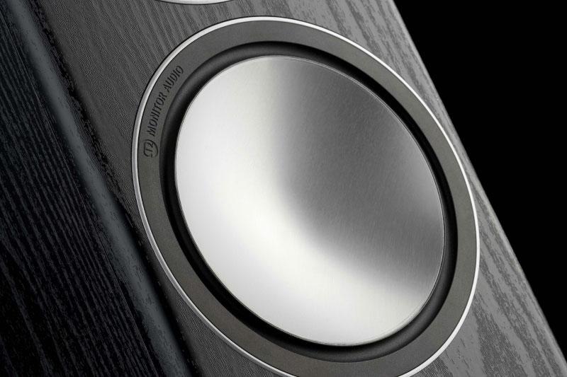 Легенды мирового колонкостроения: инновационный путь Monitor Audio от ткани к металлу и композитным материалам - 1
