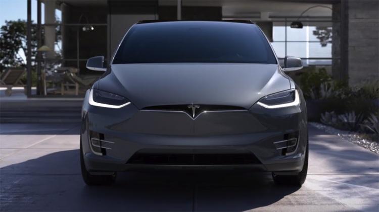 В автомобилях Tesla появится функция дистанционного ограничения скорости