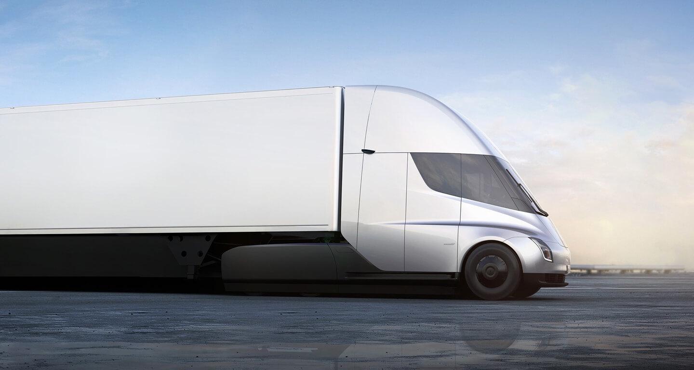 Грузовик Tesla Semi едет по мосту «Золотые Ворота»: видео