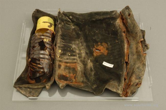 Как нам удалось прочитать рукопись, найденную в 80-х возле третьего крематория в Аушвице-Биркенау - 5